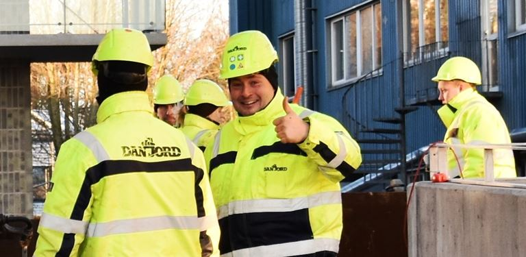 Thumbs up (beskåret).jpg